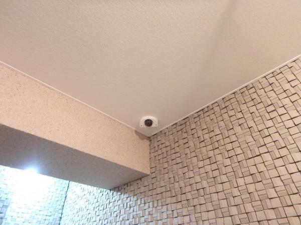 (2)エントランス防犯カメラ設置1
