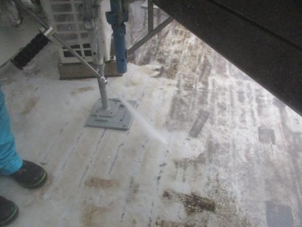 (2)西側バルコニー高圧洗浄2