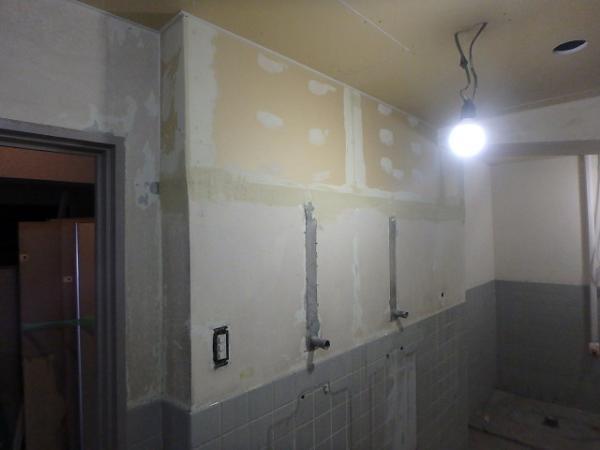 (3)男子トイレ下地組み2