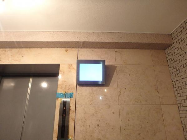 (4)エレベーター内防犯カメラモニター設置