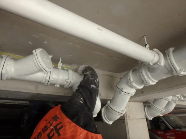 (5)駐車場天井塗装1