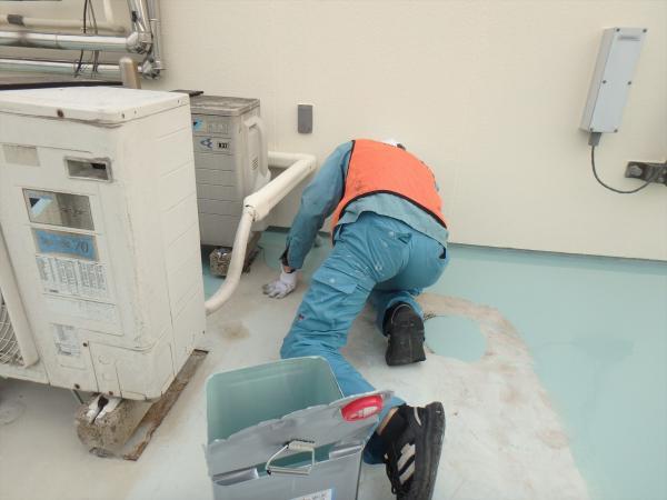 (6)最上階防水塗装1層目2