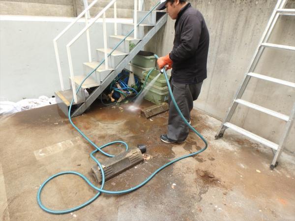(9)地下駐車場清掃1