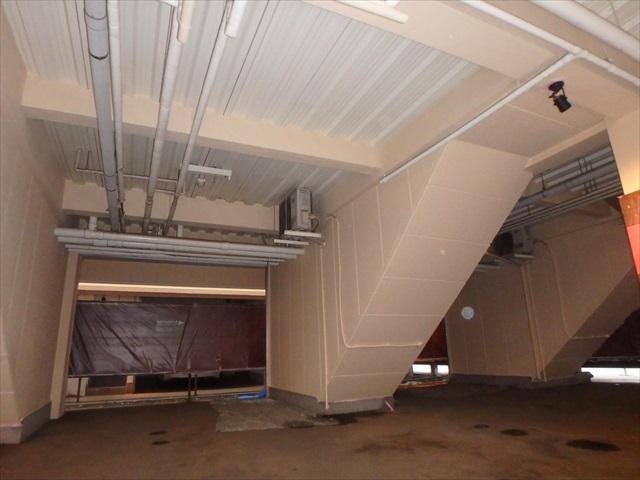 13.B棟 車庫内塗装2