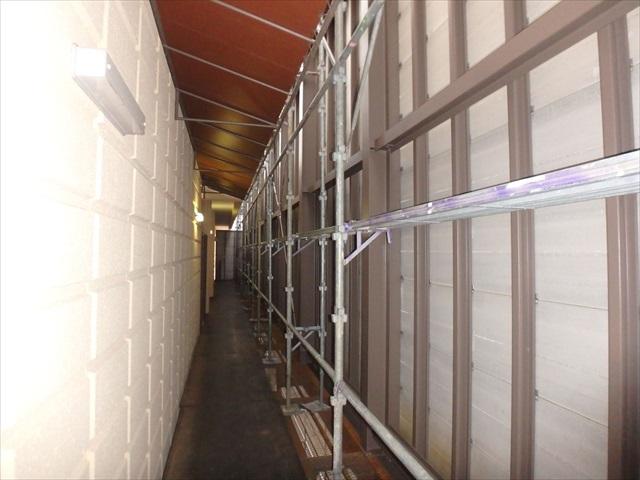 15.A-B棟 渡り廊下壁面・鉄骨塗装2