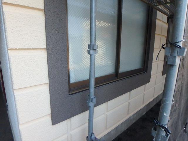 6.窓枠廻り塗装2
