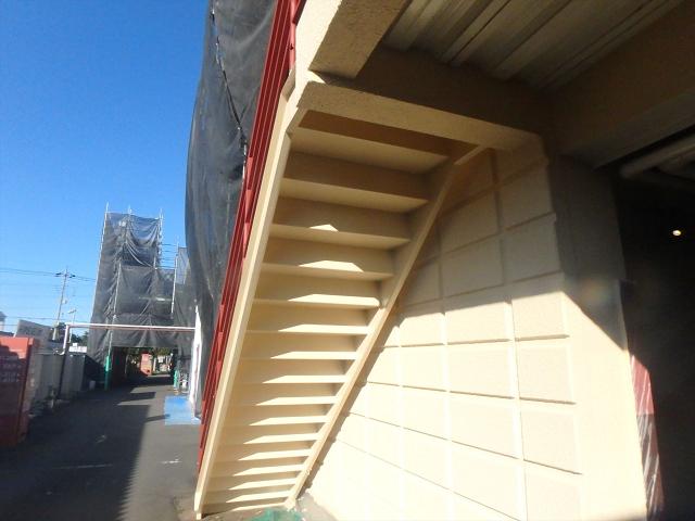 9.鉄骨階段塗装3