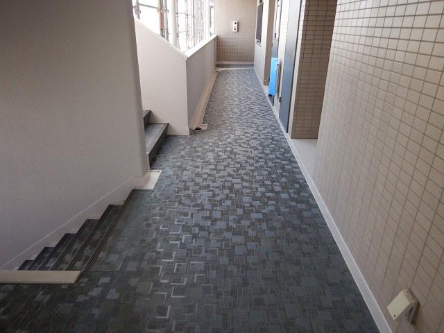 1.廊下長尺シート貼り