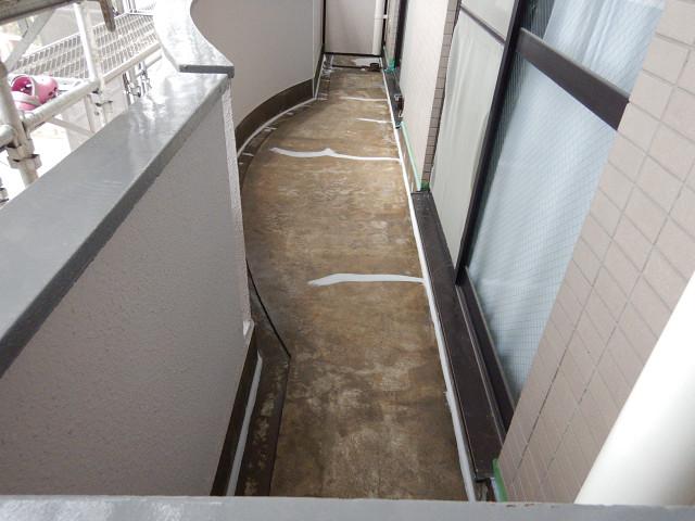 1.バルコニー防水前下地補修