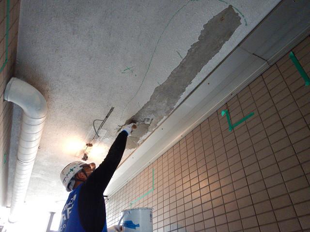 10.廊下下地補修1