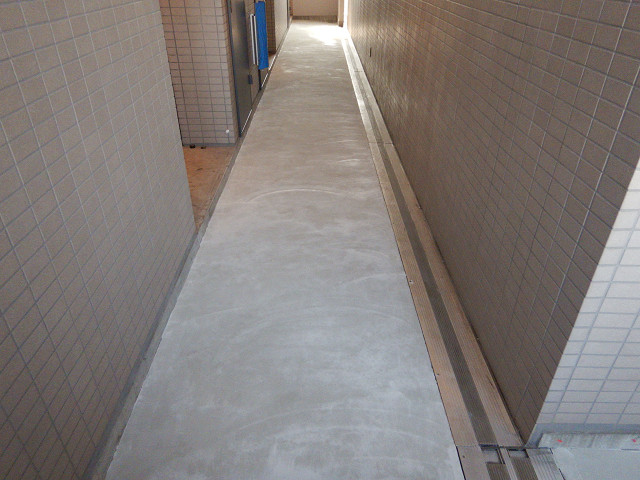 10.廊下床下地補修1
