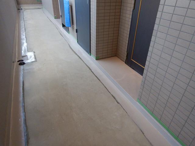 13.廊下側溝防水1