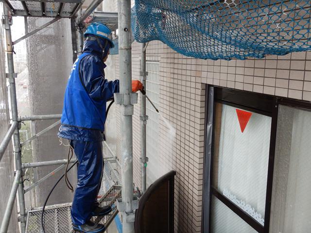 14.北面外壁高圧洗浄1