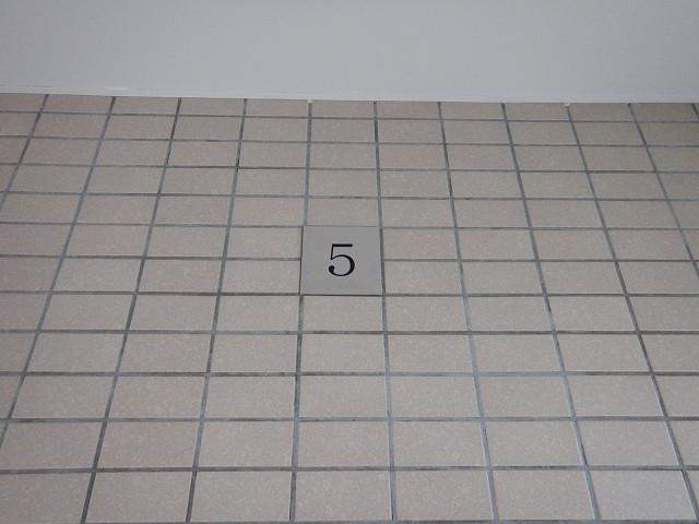 14.各階階数表示板取付