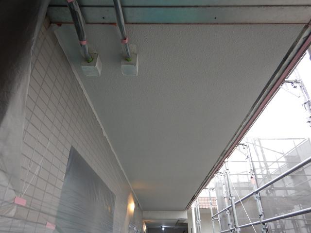 4.共用廊下天井塗装2