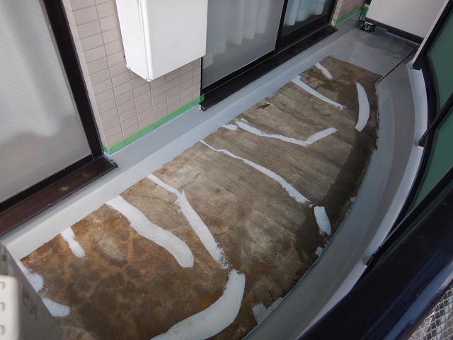 7.バルコニー床下地補修、立上り防水1