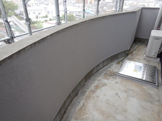 8.バルコニー腰壁塗装
