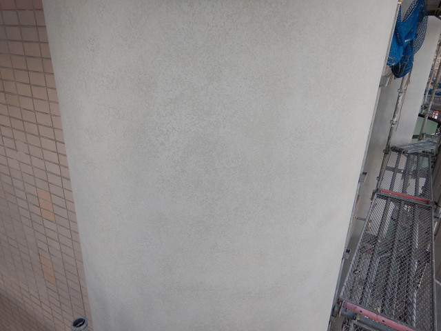 9.北面円柱ファンデーション塗装1