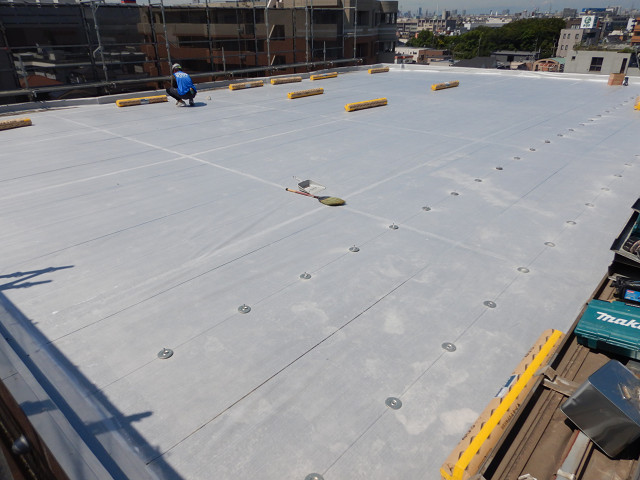 9.屋上防水下地シート敷き2